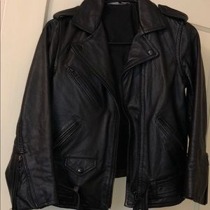 Used-genuine leather jacket from H&M. Lightly worn